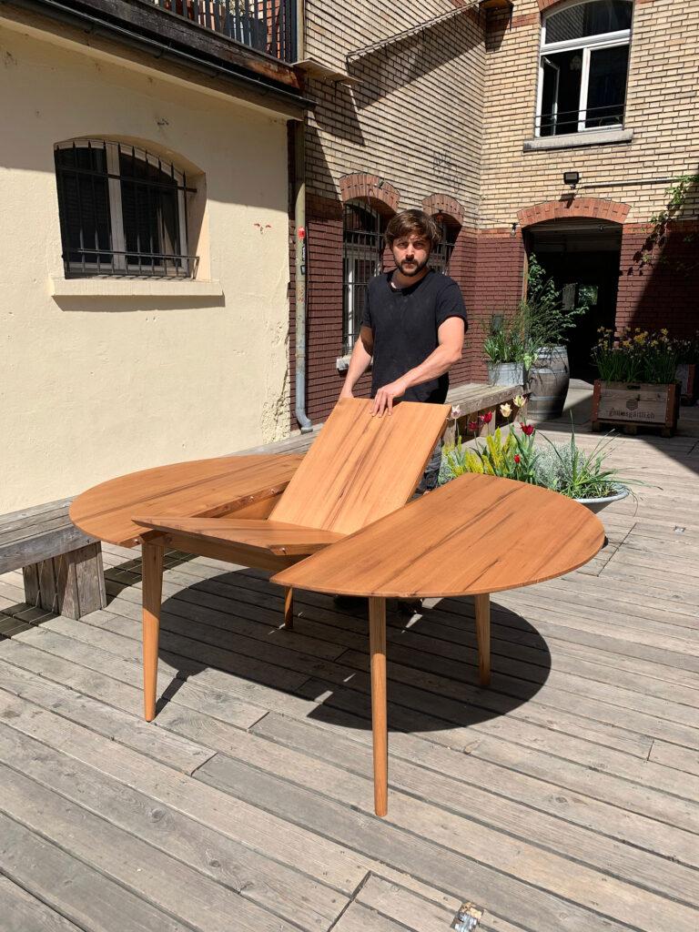 Tisch, ausziehbar